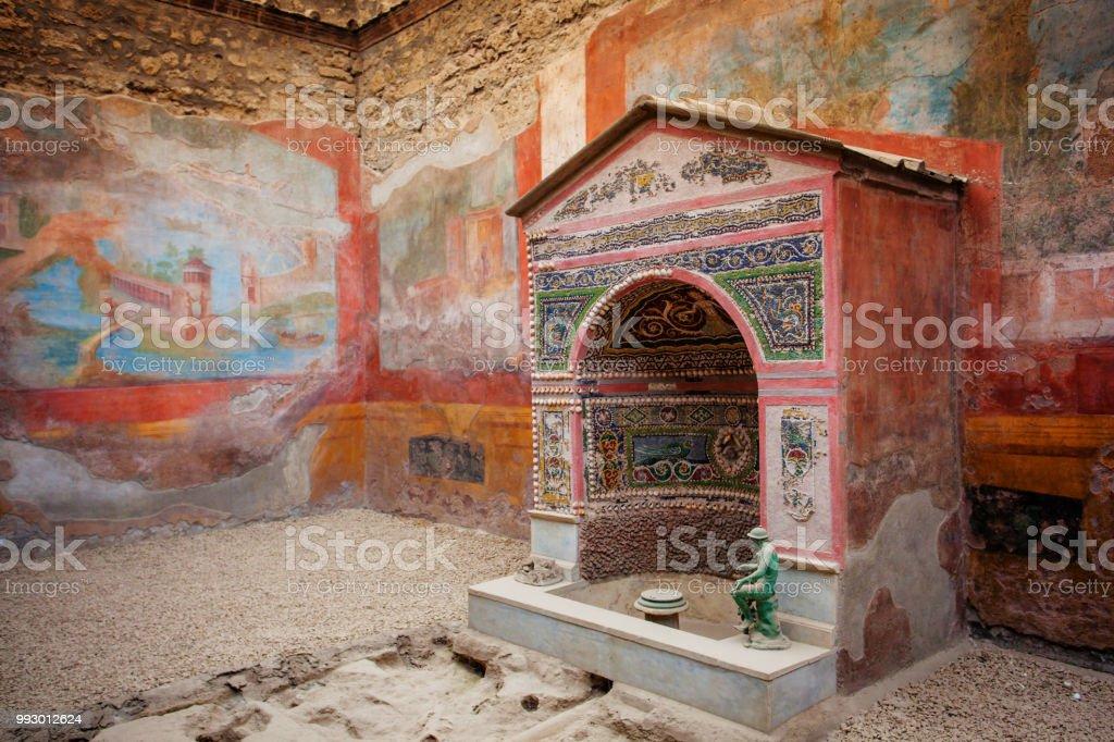 Interior of Casa della Fontana Piccola, Pompeii - foto stock