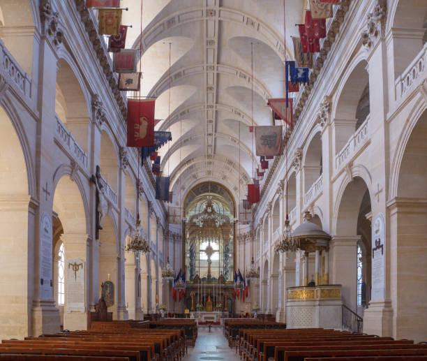interior of cathedral of saint-louis des invalides - st louis стоковые фото и изображения
