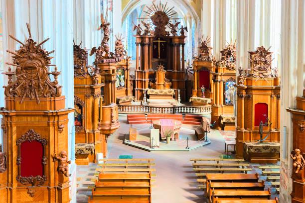 i̇ç st francis kilisesi ve st bernard vilnius - pope francis stok fotoğraflar ve resimler