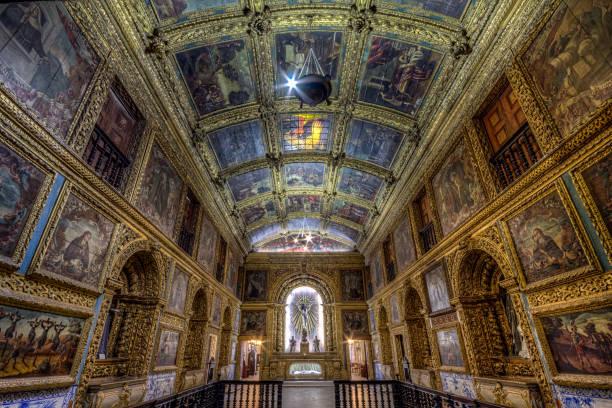 Innere des goldenen Kapelle aus dem ehrwürdigen Dritten Ordens von San Francisco von Recife – Foto