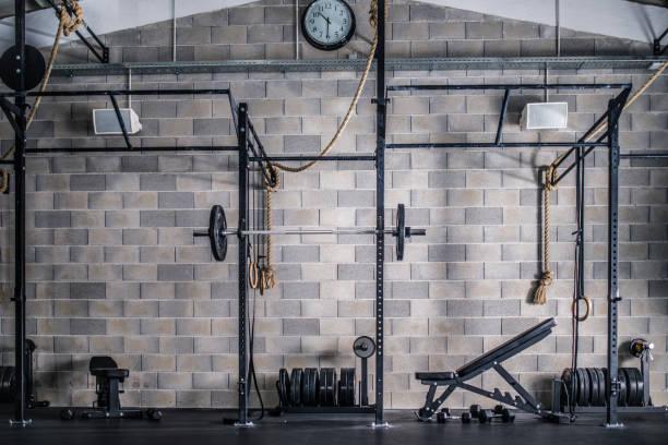 interior da academia de ginástica - comodidades para lazer - fotografias e filmes do acervo