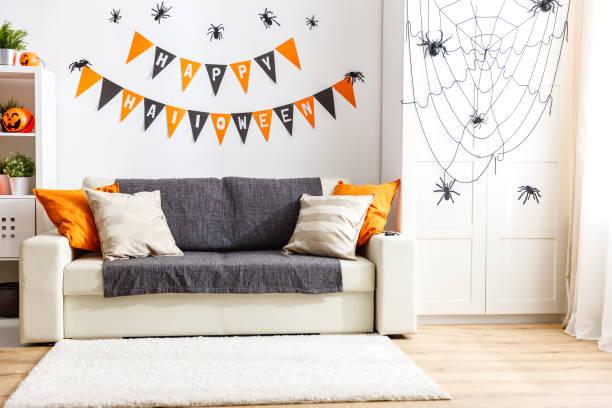 intérieur de maison décoré pour la fête halloween - Photo
