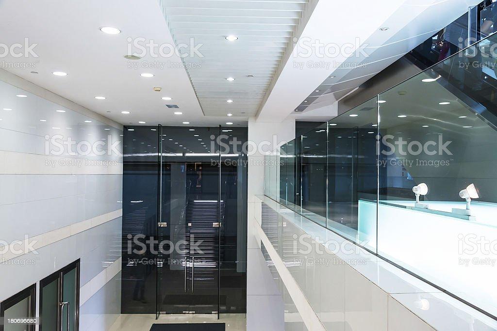 interior do edifício moderno - foto de acervo