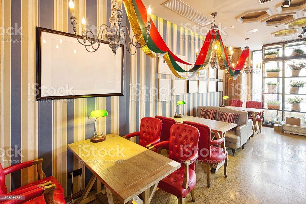 Interieur Des Modernen Cafe Stockfoto und mehr Bilder von ...