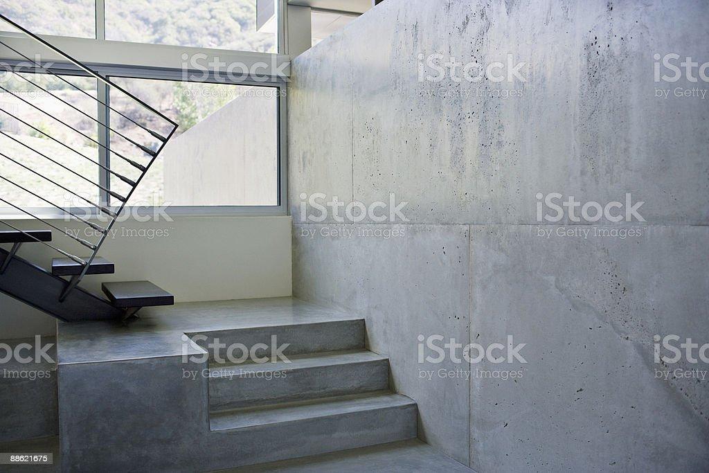 Interieur De La Maison Moderne Avec Escalier En Metal Photos Et