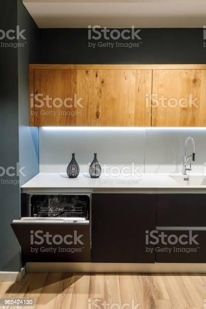 Innenraum Der Modernen Küche Mit Einbaugeschirrspüler Stockfoto und mehr Bilder von Das Leben zu Hause