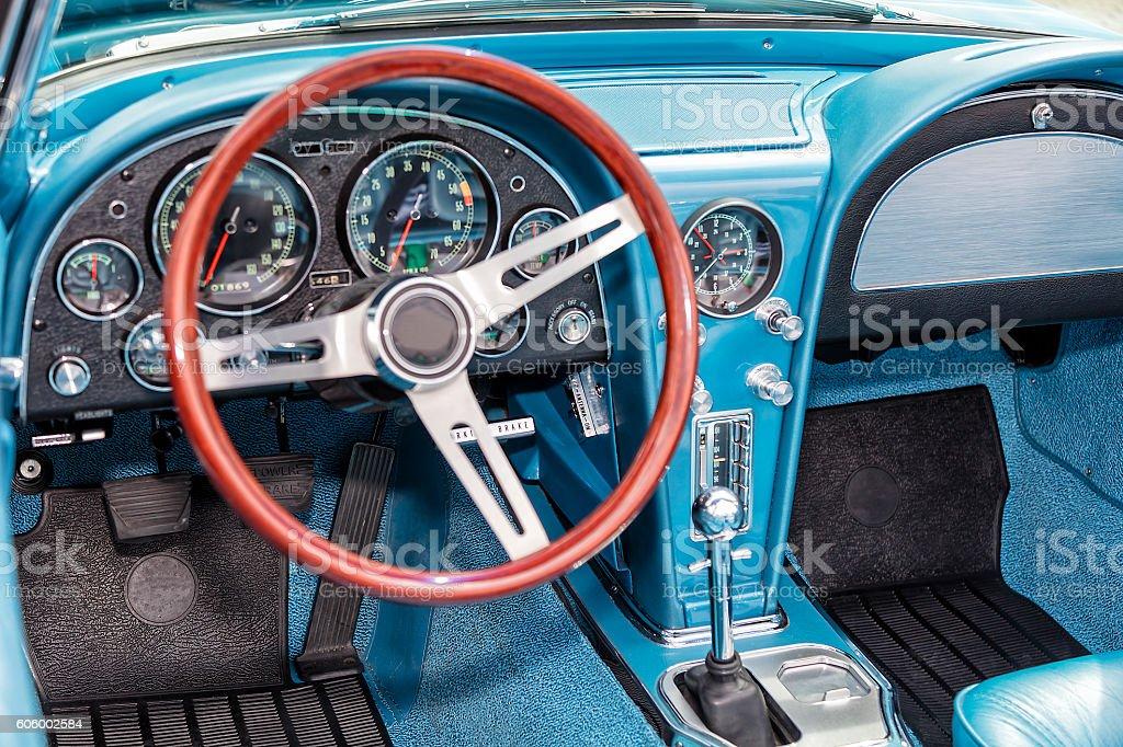 Foto De Interior De Um Carro Antigo E Mais Fotos De Stock De 1930 Istock