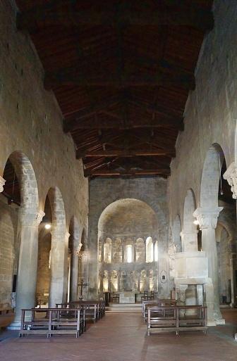 Gropina 토스카의 산 피에트로 교회 인테리어 건축물에 대한 스톡 사진 및 기타 이미지