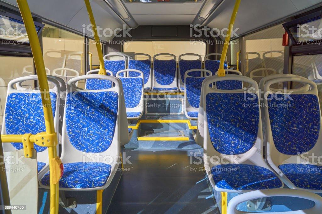 Interior del autobús - foto de stock