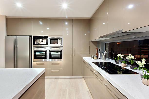 Innenraum der modernen Küche in einem luxuriösen house – Foto