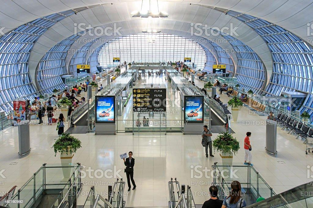 Interior del Aeropuerto Suvarnabhumi de Bangkok, - foto de stock