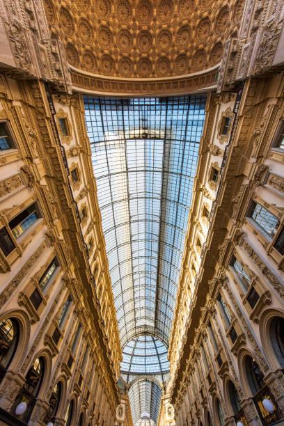 Interieur der Vittorio Emanuele II Galerie auf dem Domplatz, im Zentrum von Mailand, Italien – Foto