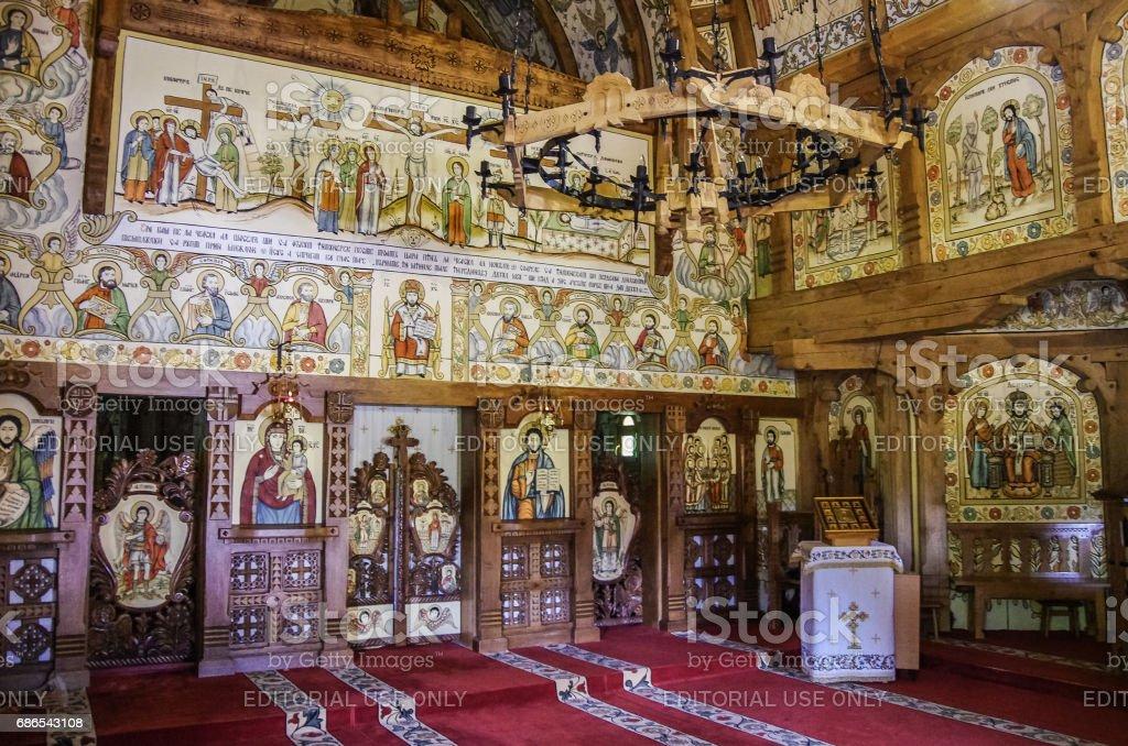 バーサーナ木造教会修道院の内部...