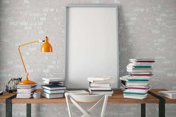 intérieur avec le cadre d'affiche de maquette avec des livres - camera sculpture photos et images de collection