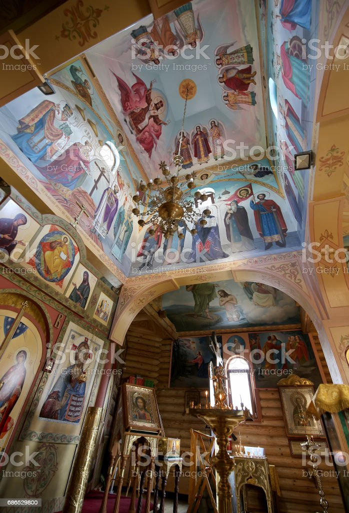 Interior Wooden Orthodox church in Moscow, Russia royalty free stockfoto