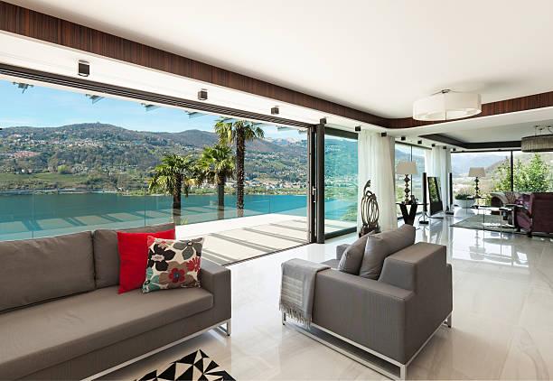 , moderne wohnzimmer interieur - veranda decke stock-fotos und bilder