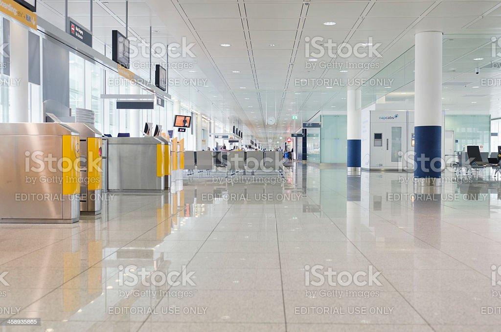 Vista interior del Aeropuerto de Munich - foto de stock
