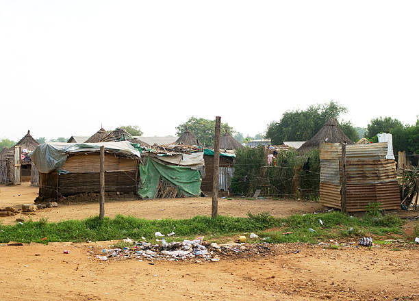 internally displaced people's housing - sudan stock photos and pictures