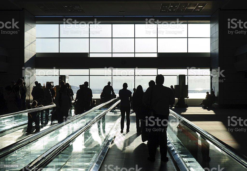 Aeroporto Internacional e em pé - foto de acervo