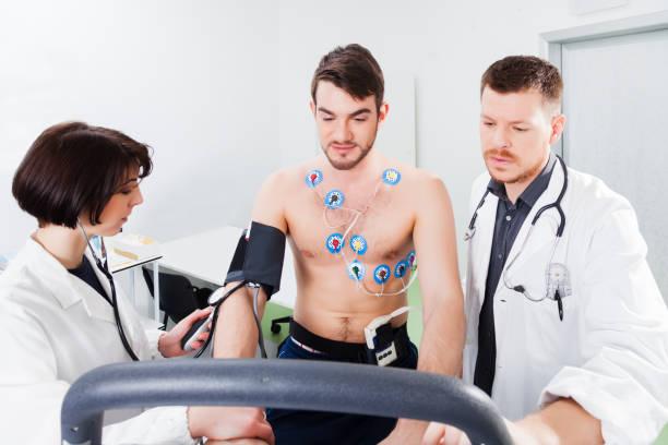 Deutung des Elektrokardiogramms junger Sportler – Foto