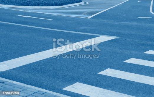 171150458istockphoto intersection 478098399