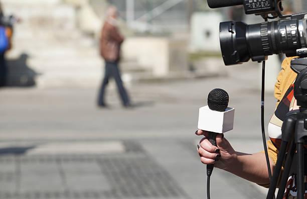 Entrevista de televisión - foto de stock