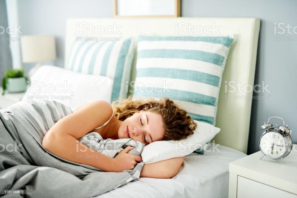 Investeer in een goede nachtrust - Royalty-free 20-29 jaar Stockfoto