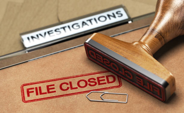 Investigative Services, Abandoned Investigation, File closed. 3D illustration of an investigation file with a rubber stamp and the word file closed. Concept of unsolved investigations detective stock pictures, royalty-free photos & images