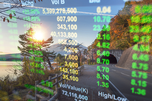 Investeringen En Bancaire Thema Met Fujiberg En Kawaguchiko Meer In De Ochtend Herfst Seizoenen Fuji Mountain Yamanachi In Japan Stockfoto en meer beelden van Accountancy