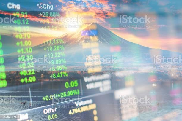 Investment And Banking Theme With Fuji Mountain And Kawaguchiko Lake In Morning Autumn Seasons Fuji Mountain At Yamanachi In Japan - Fotografias de stock e mais imagens de Atividade bancária