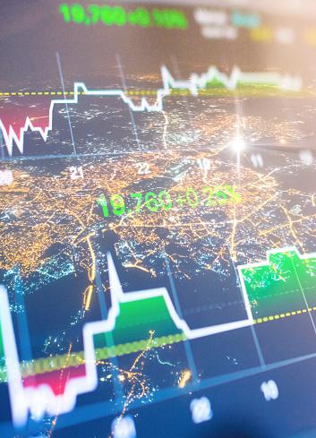 Investeringen En Financiële Thema Met Panoramisch Uitzicht Over De Financiële Hoofdstad Mumbai Van India Stockfoto en meer beelden van Avondmarkt