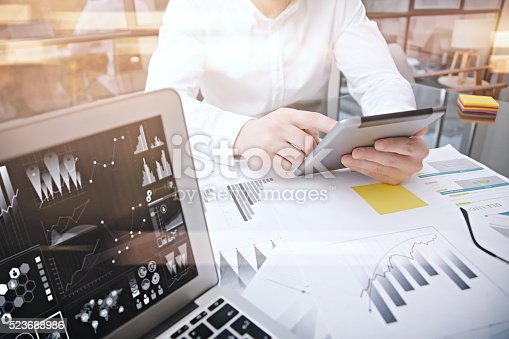 533699494istockphoto Investment manager working process.Photo trader work market report modern 523688986