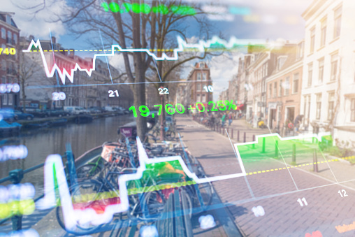 istock Investment stockmarket theme with panoramic view tourist and Street lifestyle at Amsterdam, Netherlands 965909470
