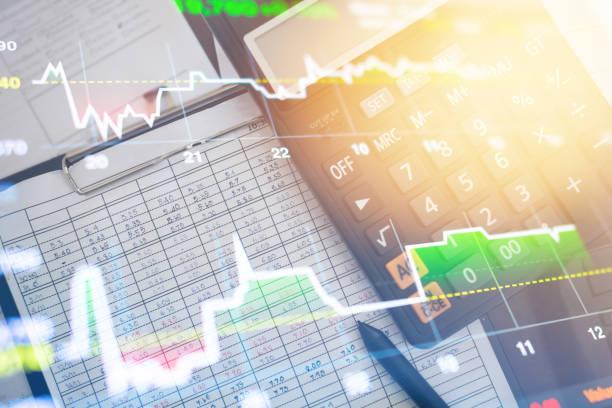 投資テーマ株式市場と金融ビジネス分析株式市場デジタル タブレット - 金融と経済 ストックフォトと画像