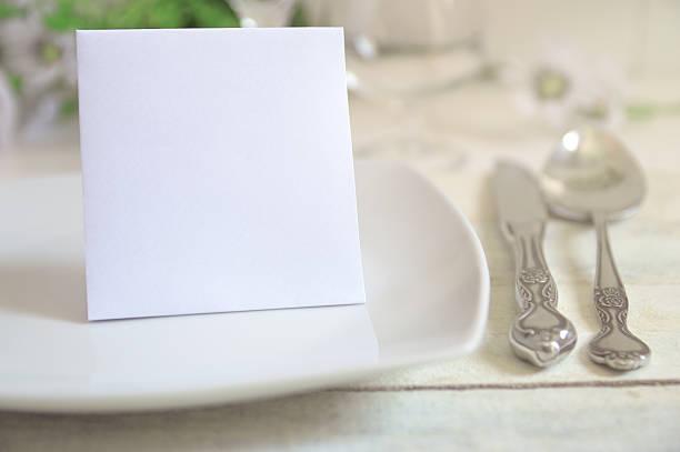 ご招待カード、テーブルの装飾 ストックフォト