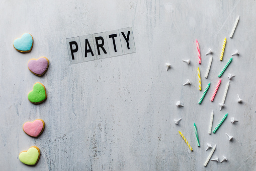 Invite your best friends and family member to party with this note