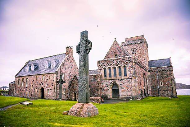 Iona Abbey Iona Abbey, founded by St Columba in AD 563 on the tiny island of Iona just off the Isle of Mull in Western Scotland. theasis stock pictures, royalty-free photos & images