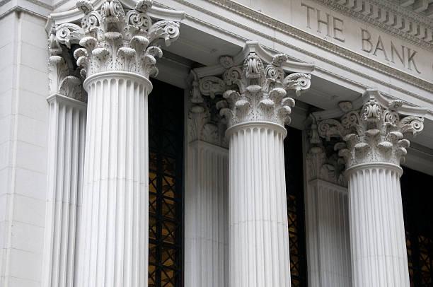colonne ioniche di una banca building - banca foto e immagini stock