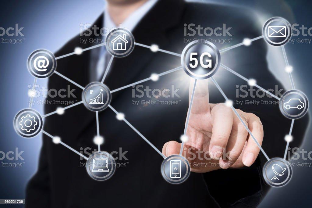 5G iot intégration des télécommunications mobiles business concept de réseautage Internet IT. - Photo