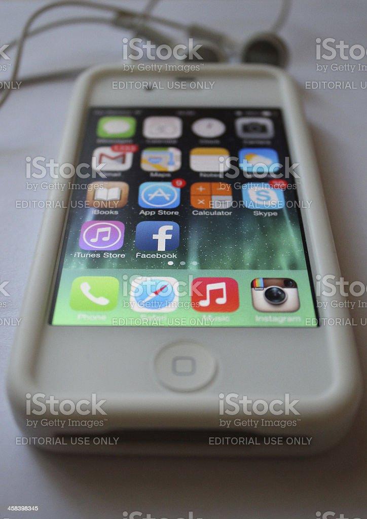 Iphone 4 iOS 7 stock photo