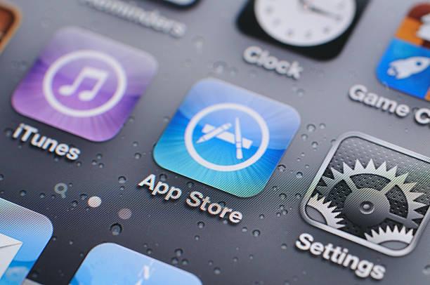 schermo iphone 4s - apple computers foto e immagini stock