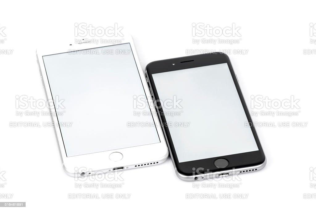 Iphone 6 E Iphone 6 Plus Confronto Su Sfondo Bianco Fotografie