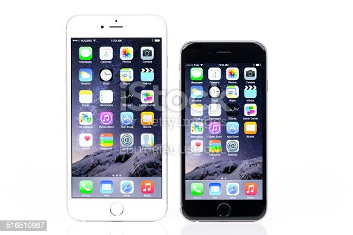 istock iPhone 6 And iPhone 6 Plus Comparison on White Background 516510987