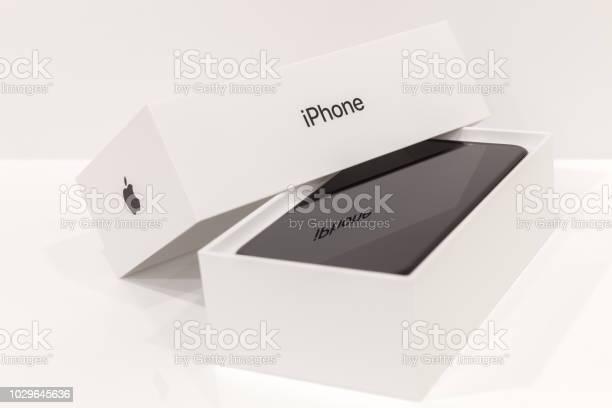 Iphone x smart phone picture id1029645636?b=1&k=6&m=1029645636&s=612x612&h=itd72julb jt7xkkyuumn5bhu9n1rmar6w0fmjb2n4s=
