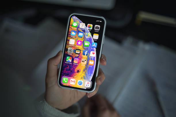 iPhone XS avec étui de protection - Photo