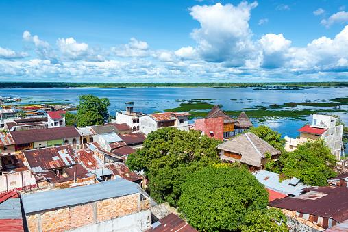 Iquitos Y Al Río Foto de stock y más banco de imágenes de 2015