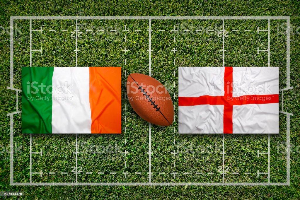 Irland vs. England Fahnen auf Rugby-Feld – Foto