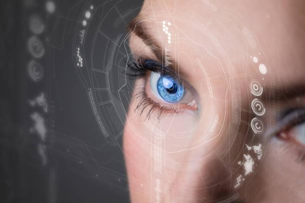 iris anerkennung konzept smart kontaktlinsen. mixed-media. - blaue kontaktlinsen stock-fotos und bilder