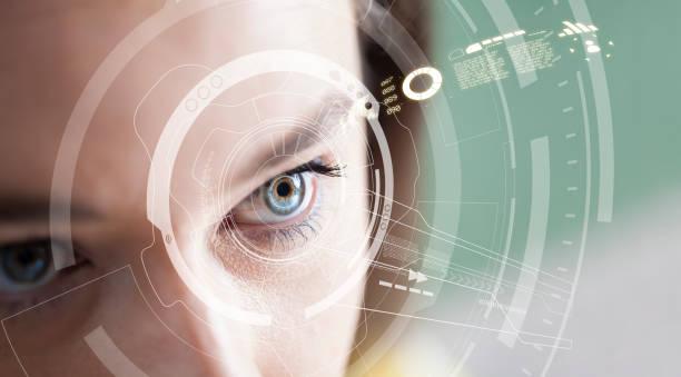 Iris Erkennungskonzept. Intelligent tragbarer, augenfähiger Computer – Foto