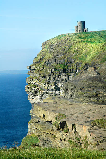 irish castle, cliffs of moher - county clare stock pictures, royalty-free photos & images